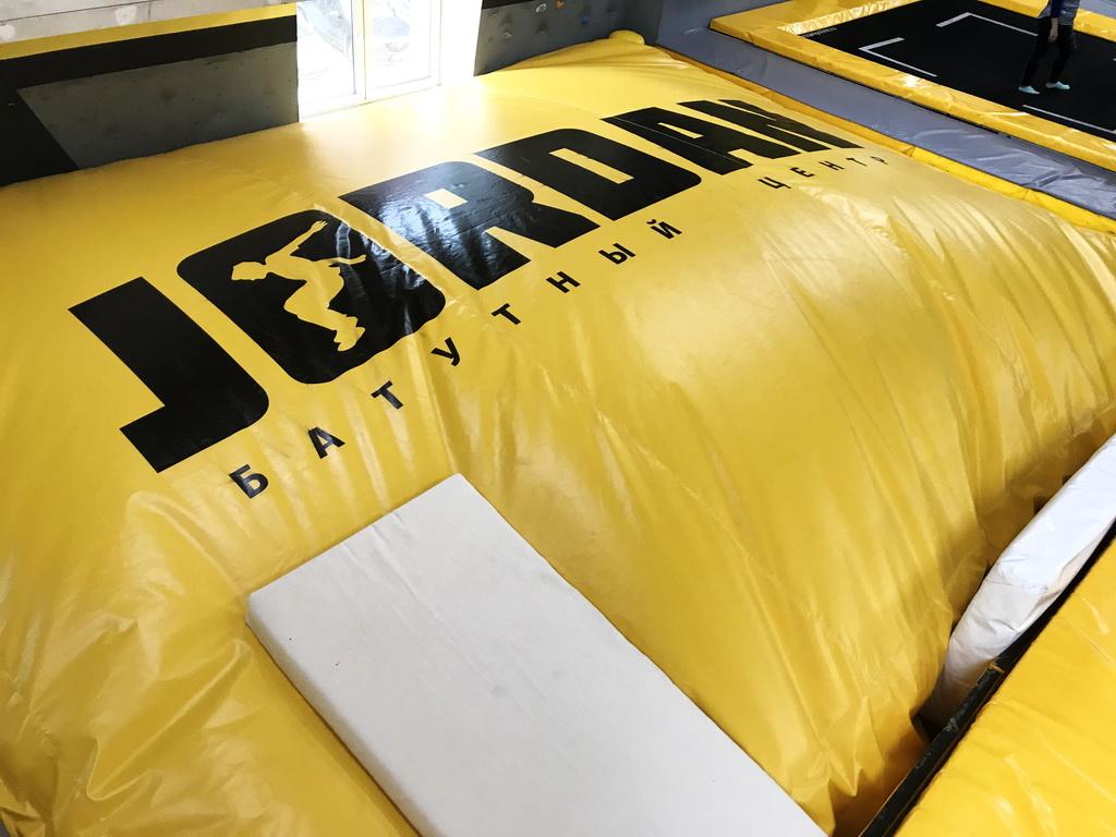 Чехол для подушки приземления в батутный центр